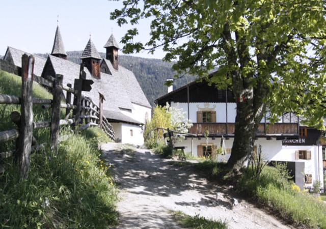 Mineralbad zu Dreikirchen